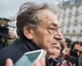 French Jewish philosopher targeted with antisemitic insults by 'yellow vest' protesters