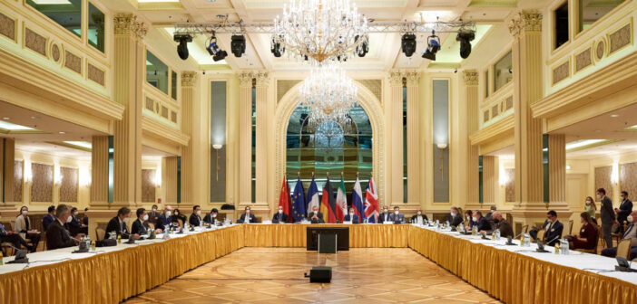 Indirect US-Iran talks in Vienna : will Washington's firm stance on full Iranian compliance as a condition for lifting sanctions crack ?